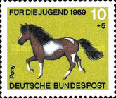 [Youth Hostel - Horses, type OF]