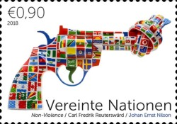 [Definitives - Knotted Gun, Non Violence, Typ AKF]